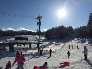 晴れ間のスキー場は快適