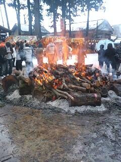 剣神社の焚き火.jpg